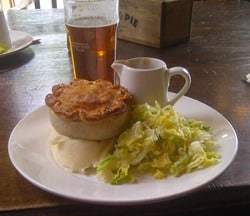 Pie and Mash | Traditional English food in Ghosts | © essentially-england.com