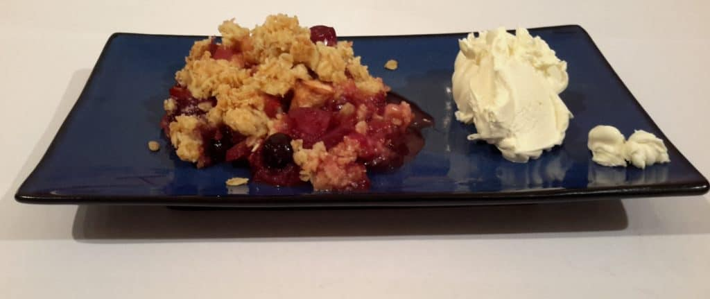 A splash of warmth and cheer: apple, cranberry and mulled wine crumble | jackiekeswick.co.uk